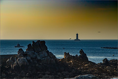 Sunset (jyleroy) Tags: bretagne canon eos700d mer paysages rebel t5i europe france pharedufour porspoder lighthouse sea océan ocean atlantique atlanticocean nationalgeographicgroup ngc coucherdesoleil sunset