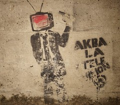 Akba la Televisin. (essquizoide) Tags: street art wall graffiti tv stencil kill head venezuela sony protest social weapon end violence televsion violent maturin monagas