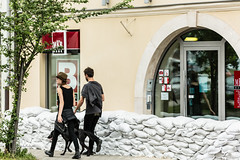 Flood, Esztergom #2 (pixLX) Tags: flood utca duna streer árvíz homokzsák