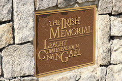 Monument irlandais (comiquaze) Tags: philadelphia museum pennsylvania ships submarine battleship independance phl cruiser sousmarin kphl pennsylvanie croiseur cuirassé pjiladelphie