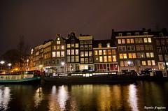 I Amsterdam (Agustn Faggiano) Tags: amsterdam rio luces noche am edificios agua nikon europa nocturna holanda postal reflejos manfrotto 18105 viviendas faggiano d7000