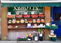 2013 08 17 43 Shaftesbury (Mark Baker.) Tags: uk summer england green project town photo day baker market mark traditional august photograph dorset photoaday 365 grocer shaftesbury abbotts grocers greengrocers 2013 picsmark