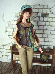 Green shirt (Levitation_inc.) Tags: fashion model doll ooak barbie levitation muse clothes poppy royalty parker pivotal nuface