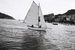 (L__o) Tags: sea 35mm sailing porta sail portra 160 portra160 nikonf601