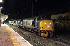 37688+37261 Warrington Bank Quay 27th November 2013 (John Eyres) Tags: warrington flask bank quay sellafield 37261 37688