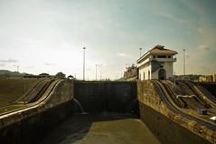 Canal do Panam (Bruno Farias) Tags: cruise canal ship navy cruising panama miraflores navio panamacanal everrocks obrunofarias