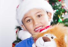 Merry Christmas!!! (Ixchel24) Tags: christmas portrait navidad kid child retrato merry kidsportrait