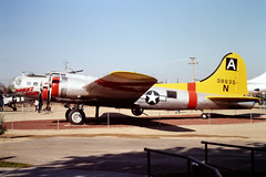 43-38635/N3702G Boeing B-17G Flying Fortress of the USAF at Castle Air Museum, CA in Oct 1981 (johnyates2011) Tags: usaf n3702g boeing b17 flyingfortress boeingb17 boeingb17flyingfortress 4338635 castleairmuseum