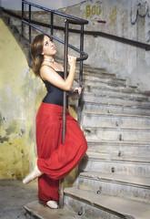 Ana (bojanstanulov) Tags: ballerina balet ballet balletdancer beautiful balletshoes balerina balletclass building