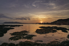 Mountbatten beach (surfage) Tags: mountbatten plymouth devon sunet golden hour beach sea sand rocks clouds nikon d5300 tokina 1116 tones colour seaweed marumi