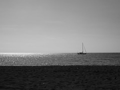 Ship on the Sea (hooge69) Tags: blackwhite bali black beach ship sonnenuntergang sunset sunshine summer einfarbig strand segelboot white olympus