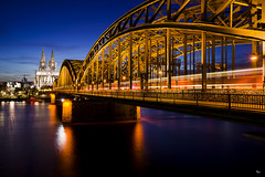 Cologne by Night (Interspieder) Tags: cologne köln night langzeitbelichtung long exposure dom cathedral kathedrale pentax lights reflection bridge