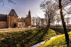 Sunset @ Doorwerth Castle (NL) (Henk Verheyen) Tags: castle doorwerth kasteeldoorwerth lente nl nederland spring buiten kasteel ochtend outdoor sunrise zonsopkomst