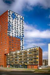 L . (roberke) Tags: building torengebouw woningen architecture architectuur windows ramen vensters sky lucht clouds wolken modern nijmegen netherlands nederland