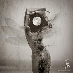 Transmutacion (| Photograper | Digital Artist |) Tags: transmutacion dark gothic woman moon lunar luna oscura soledad pain melancolia dolor tristeza wow