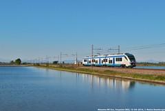 Minuetto ME (MattiaDeambrogio) Tags: treno treni train trains ale501 ale502 le220 minuetto vespolate risaia