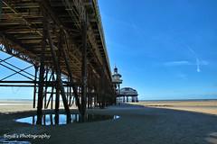 DSC_0027 -1awm (Polleepops) Tags: blackpool seaside seascape pier