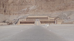 Temple of Hatshepsut (Rckr88) Tags: temple hatshepsut templeofhatshepsut deir elbahari deirelbahari luxor egypt africa travel travelling ancient ancientegypt relic relics mountains mountain pharoah pharoahs