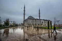 Sultan ayoub (alzarif-Abo Ali) Tags: nikond7100 nikonphotography sigma1020 sigmalense reflection people street streetphotography lovestreetphotography streetoncolor turkey istanbul sultaayoub oldbuilding urban sky winter flickr aroundtheworld walking birdsonthesky