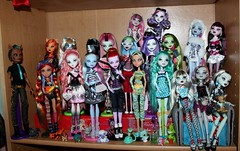 My Monster High Family (tertlecrazy55) Tags: monster for 1 high venus lot wave custom fa adoption repaint catrine werecat clawd