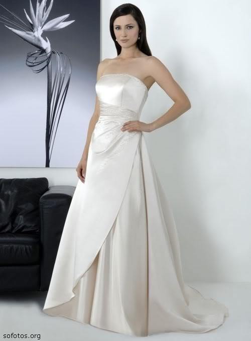 Vestido de noiva tomara que caia de cetim