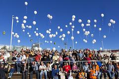 globos por la Paz (kinojam) Tags: canon kino peace photographers paz globos baloons encuentro fotografos canon60d encuentrofotográfico kinojam encuentrofotograficodearagon iencuentrofotograficodearagon