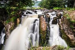 Hogenakkal (Picsnapr) Tags: travel india tourism water boats waterfalls tamilnadu coracles hoganekkal