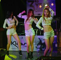 Korean Kpop Dancers (Rickloh) Tags: girls hot girl dance women dancers rick samsung dancer korean kpop nx liveperformances mirrorless nx11 rickloh