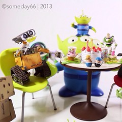 life the party!!! (someday66) Tags: disney pixar walle