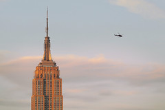 space and time (Howard L.) Tags: sunset david canon giant big small helicopter empirestatebuilding vs goliath howd fromtheroof 135mmf2 5dmiii howld