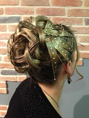 """Chignon coque et strass • <a style=""""font-size:0.8em;"""" href=""""http://www.flickr.com/photos/115094117@N03/12082769843/"""" target=""""_blank"""">View on Flickr</a>"""