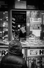 Kiosk (ScarfaceMauri) Tags: street blackandwhite bw monochrome photography blackwhite fuji fotografie streetphotography sw schwarzweiss fujinon 18mm schwarzweis fujixpro1