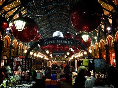 Covent Garden (phil_male) Tags: christmas london shopping christmaslights coventgarden abouttown
