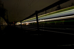LightVisions: Curved Lights  FlyingLights BXXXII - 051x (Jupiter-JPTR) Tags: germany cologne colonia nightshots ccaa nightvisions nightline jptr nighttrains lightvisions trainlinestation