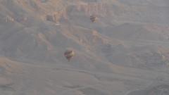Hot Air Baloons over the Luxor Desert (Rckr88) Tags: hot air baloons luxor sunrise over desert hotairbaloonsovertheluxordesert deserts sand mountains mountain egypt africa travel travelling hotairbaloons hotairbalooning balooning baloon