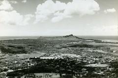 P1.HI2.024 (American Alpine Club Photo Library) Tags: volcanoes volcaniccone settlements oahu honolulu