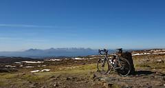 Over the Sea to Skye (blue sea & blue sky!) (Free.heel) Tags: bealachnaba westerross skye lynskeyr240prodiscultegradi2 continentalgp4000sii brookscambiumc13 shimanoultegradi2 nikond810 nikonafsnikkor1635mmf40gedvr cycling 100greatestcyclingclimbs garminedge510 secrettraining titaniumbike