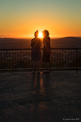 Sunrise - HFF (NettyA) Tags: 2017 australia brisbane mtcoottha mtcootthalookout qld queensland sonya7r fine seqld sun sunrays sunburst sunrise orange golden people silhouette lookout fence hff