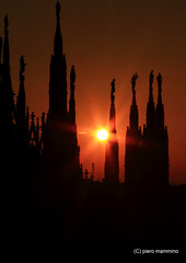 Milan Cathedral _ Sunset in the spires (piero.mammino) Tags: milano milan duomo cathedral guglie spires tramonto sunset sun sole cielo sky