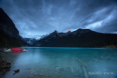 Lake Louise (Rolandito.) Tags: north america kanada canada alberta banff lake louise morning sunrise long exposure clouds boats
