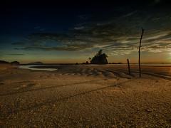 IMG_2907 ~ satu pagi di kemasik (alongbc) Tags: kemasik kijal kemaman terengganu malaysia travel places trip beach sea sky cloud sunrise canon eos700d canoneos700d tamron tamronlens 10mm24mm wideangle