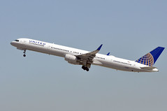 N75861   LAX (airlines470) Tags: n75861 lax 757 msn 32585 ln 976 united airlines airport n551tz 757300 75733n