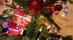 Mario bros de Noel (Claire Coopmans) Tags: pixel pixels hama bead beads mario noël noel christmas video jeu games décoration