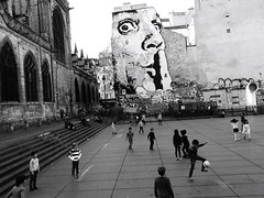 iParis: shhh-ball (gregjack!) Tags: france paris jefaerosol shhh mural wallart people kids candid football bnw blackandwhite sony rx10m3 salvadordali dali pompidou