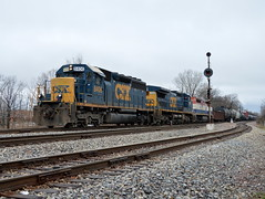 Old school at Broadview (Robby Gragg) Tags: csx sd402 8406 broadview