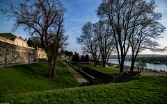 Sunny afternoons of Kalemegdan (Vagabundina) Tags: belgrade serbia capital city town europe oldcontinent southeurope park fort fortress castle history landscape cityscape trees grass green goldenhour afternoon sunset people street danube river riverbank nikon nikond5300 dsrl