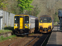 153305 & 150102 Penryn (1) (Marky7890) Tags: 150102 class150 sprinter 2t69 gwr 153305 class153 supersprinter 2f70 penryn railway cornwall maritimeline train