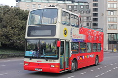 DLP204 T204 XBV (ANDY'S UK TRANSPORT PAGE) Tags: buses london sightseeingbuses hydeparkcorner originallondonsightseeingtour ratp