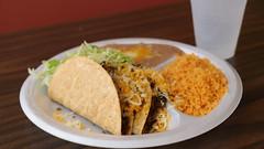Ground Beef Tacos Abelardos Mexican Restaurant in Des Moines, Iowa (Tyrgyzistan) Tags: desmoines centraliowa polkcounty iowafood iowamexican mexicanfood comidamexicana tacos taqueria