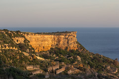 Early morning light - Rdum il-Kbir, Nadur, Gozo - in explore 06 April 2017 (kurjuz) Tags: ghawdex gozo malta nadur cliff earlymorninglight landscape sea stone terracedfields